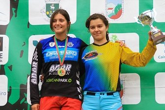 adar podio feminino